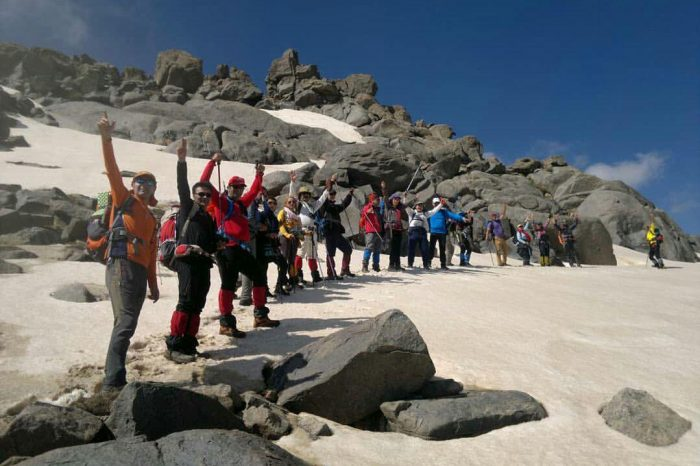تور همدان و قله الوند